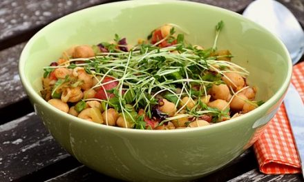 This Month's Superfood: Chickpeas (Garbanzo Beans)